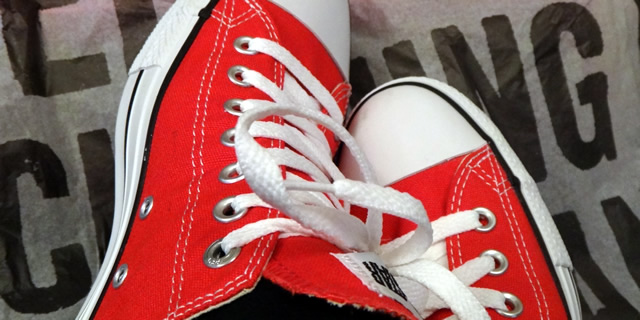 converse-red-shoes