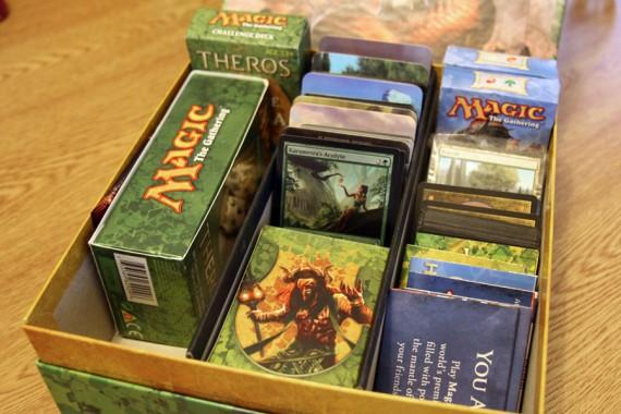 magic-the-gathering-holiday-gift-box