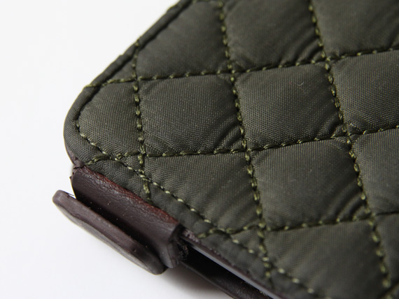 barbour-quilted-flip-detail